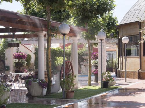 Meson_Casa_Pedro_jardin_024